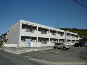 掛川市杉谷2丁目の賃貸アパートの南面道路、南面に駐車場でお勧めです。コンビニも近くお勧めです。
