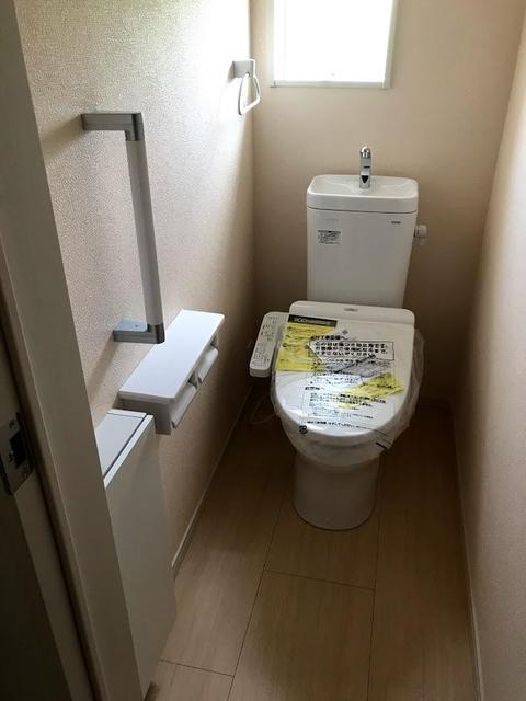 1階のトイレ、2階にもトイレがあります。